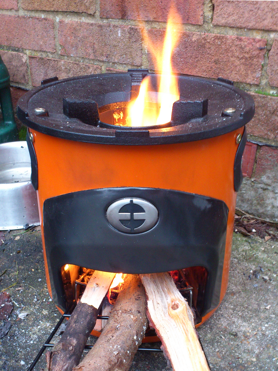 Rocket Stoves Are Small Efficient Stoves That Can Produce A Hot Flame ...